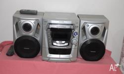 Panasonic Stereo - 5 disc player - Twin cassette