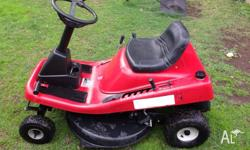 Parklands Ride on lawn mower with Briggs and Stratton