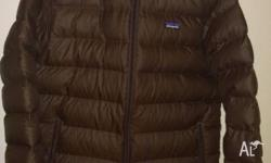 Dont miss out on this high quality down jacket, retsils