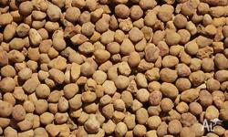 Round 10mm pea gravel. Suitable for compacting on