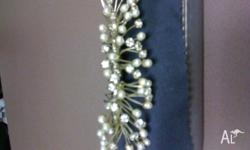 beautiful pearl and diamante hair comb used once for