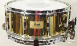 Pearl Free Floater Brass 14x6.5in Snare Drum This is a