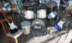 Pearl forum series drum kit 5 drums and 3 cymbals with