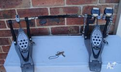Pearl P-1002 series double kick pedal + pearl carry