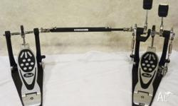 Pearl P122TW Double Kick Pedal, Near New Condition!