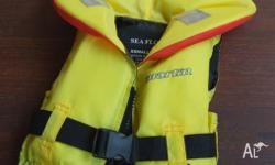 Lfejacket. PFD to suit child. NEVER USED. Bought from