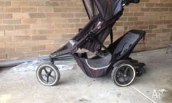 Phil & Teds DASH Pram with second child attachment and