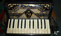 piano accordian 'la scala' working condition carry case