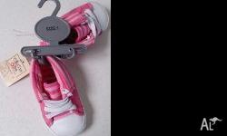Brand new - pink baby shoes - size 1