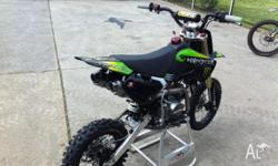 PITPRO,LTD MONSTER ENERGY 140CC WITH TWIN PIPES ,2010,