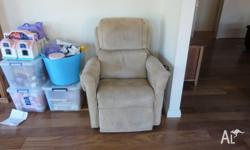 Electric Posture Pedic Recliner in good condition with