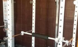 Power Rack with lat row attachement plus dib bars v you