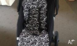 Mountain Buggy Pram excellent condition comes with sun