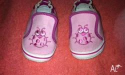 I am selling a pair of girls size 1 pre-walker slip