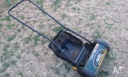 Ozito, Push reel mower with catcher , 300mm wide cut,