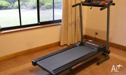 YORK PACER 3100 FOLDABLE TREADMILL. Excellent