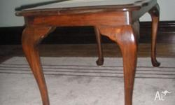 Queen Anne Coffee Table. Very good condition. Has a