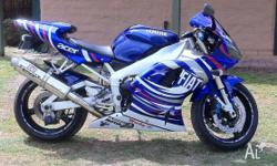 2000 R1 YAMAHA WITH 10 M0NTHS REG 33000 KM CARBON