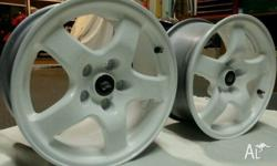 2XR32 GTR WHEELS IN EXCELLENT CONDITION 16X8 114.3 COME