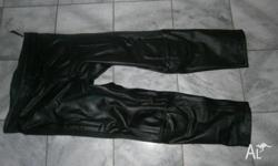 R Jays Leather motorcycle riding pants used only twice,