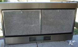 Westinghouse Rangehood, stainless, clean and very good
