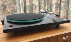 REGA PLANAR 2 MANUAL TURNTABLE TWO SPEED 33 AND 45rpm