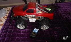 REMOTE CONTROL UTE WORKS WELL JUST UNUSED AND DUSTY