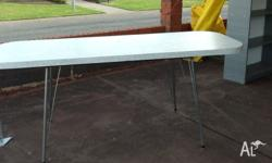 Solid and sturdy retro dining/outdoor table, be quick