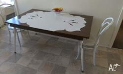Brown and white 1970's table in good condintion for