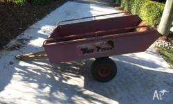 Ride on Mower Trailer, Tipping Tray a bit rusty , Still