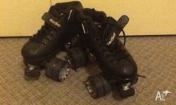 Size 4 Riedell R3 Roller Skates, ladies shoe size 5-6.