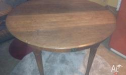 Beautiful round table from 1920's - asking $100 ONO