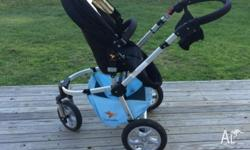 For sale is a 3rd generation rozibaby pram, with