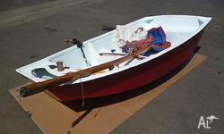 Small sail boat ideal for kids or small adult. Complete