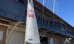 Top notch Fibreglass Sabre Racing Dinghy in excellent