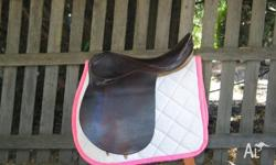 Good Condition, much loved all purpose saddle. Thick