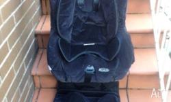 "Safe N Sound ""Royale"" baby car seat in very good"