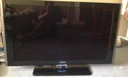 "Samsung 46"" Series 8 LCD Full HD TV in excellent"