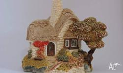 Original LILLIPUT BEEHIVE COTTAGE was first made in