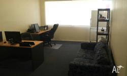 4 Desks available - all inclusive - Desk, Electricity,
