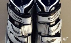 Shimano RO77 cycle shoes As new condition only worn on