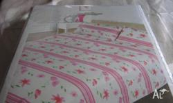 Brand new single bed quilt cover set 140cm x 210 and