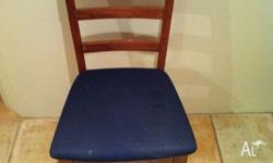 Six (6) dining chairs for sale (That's $8.50 each).