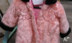 Size2/3 girls coat. As new condition. Pick up