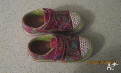 Used but good condition, both feet still flash..Pink