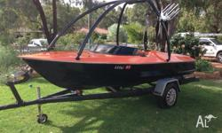 350 chev, Hammond hull ski/wake boat New motor fitted