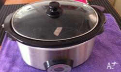 slow cooker in vgc only used a few times large capacity