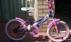 Pink small girls bike with good condition