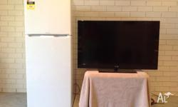 SONY BRAVIA 40 INCH LCD TV WITH REMOTE AND INSTRUCTION