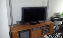 I am selling my full entertainment system. Listed below